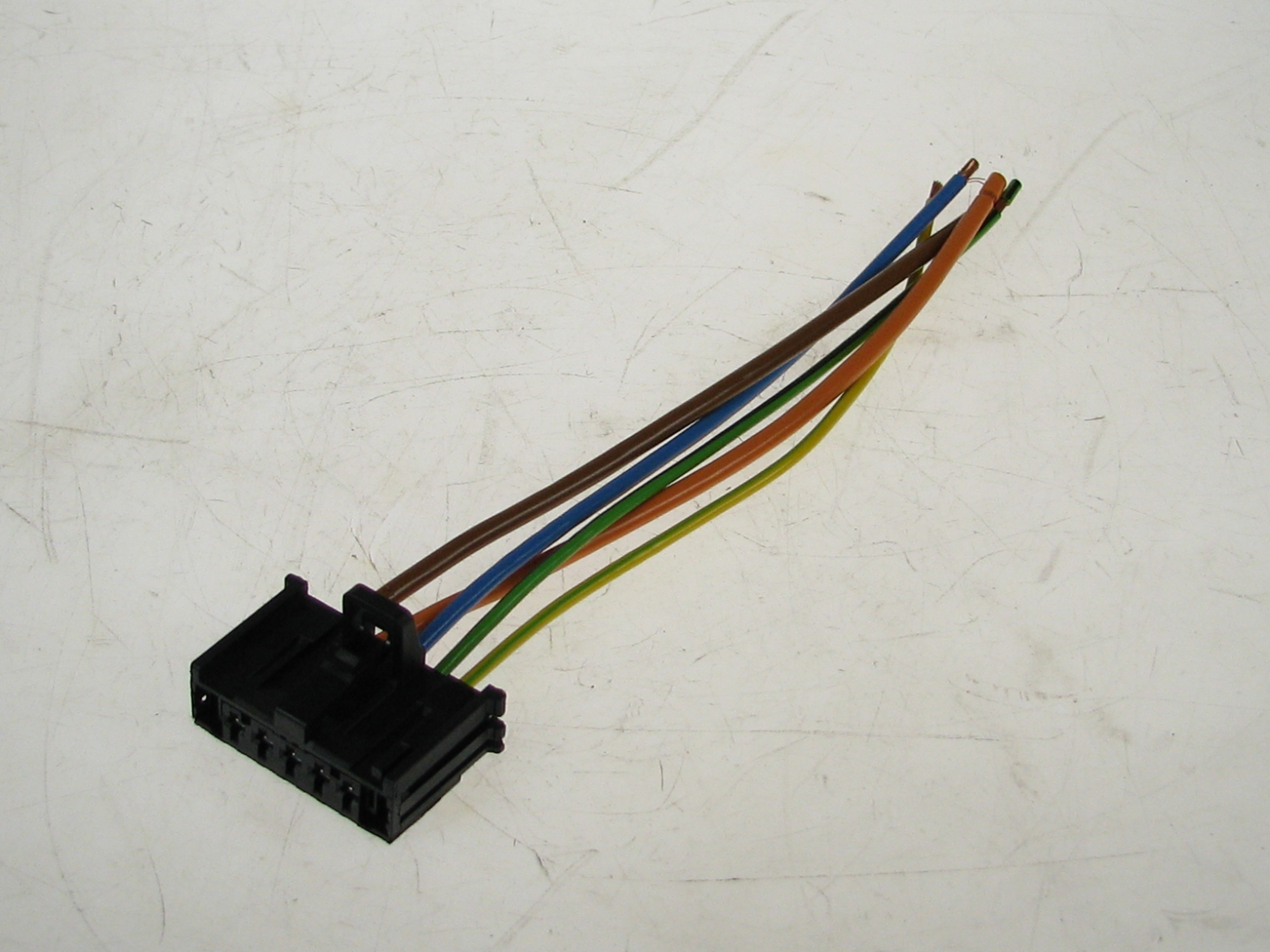 Genuine Vauxhall Corsa D/E And Adam Heater Resistor Wiring Harness on
